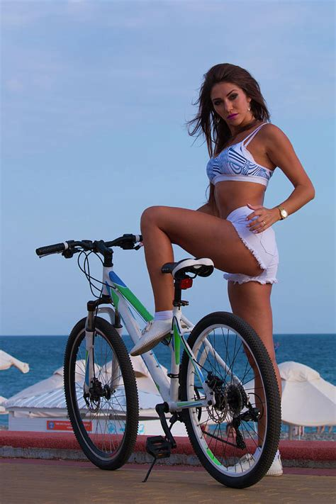 bicycle sexygirls